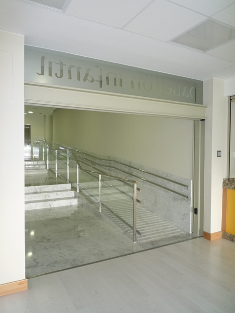 Acceso desde edificio principal