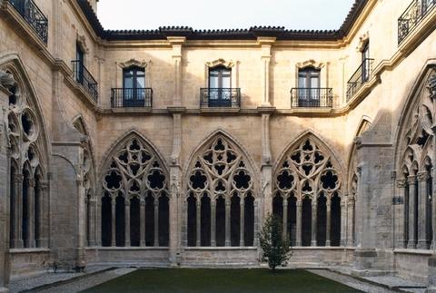 Cuenca Hevia - RESTAURACIÓN DEL CLAUSTRO, CUBIERTA Y TAMBOR DE LA CAPILLA DE SANTA MARÍA DEL REY CASTO DE LA CATEDRAL DE OVIEDO - Arquitectos Cosme Cuenca Y Jorge Hevia S.L.P.
